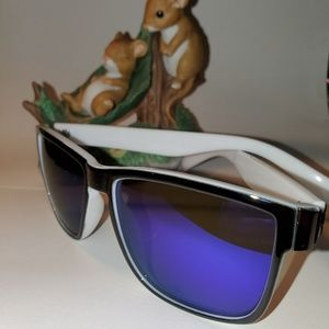 Durberry made in Italy sunshades